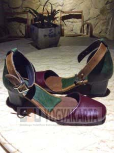 Kursus membuat sepatu kulit SBU