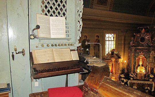 Organy na chórze wykonane w 1836 roku przez Pawła Gracza z Pcimia