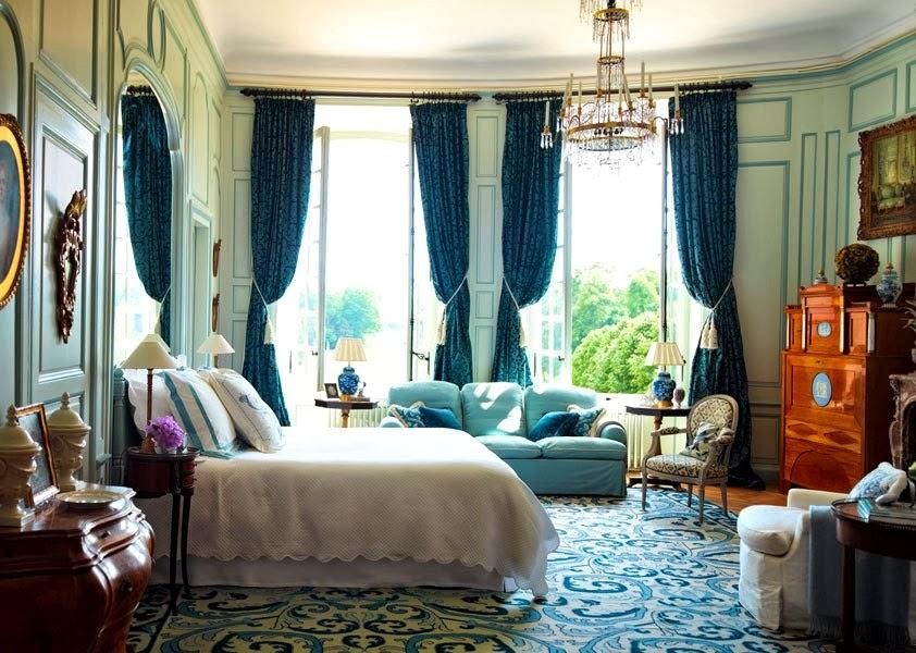 royalty pomp 11 04 13. Black Bedroom Furniture Sets. Home Design Ideas