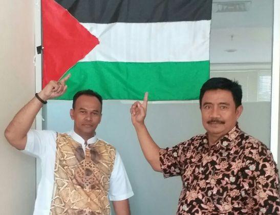Adik Almarhum Uje Sebut Jokowi Tidak Bergerak Membantu Palestina