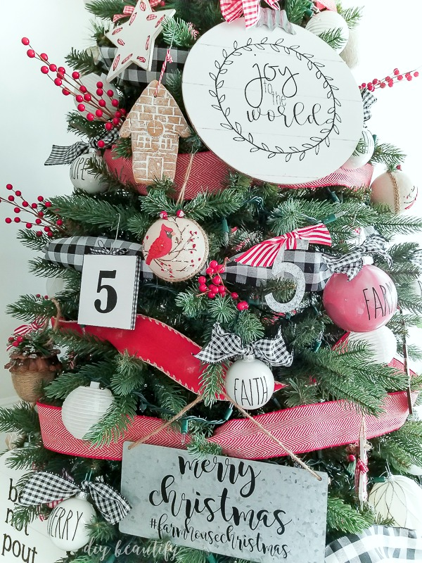 farmhouse style christmas tree farmhouse decorated tree - Farmhouse Christmas Tree Decorations