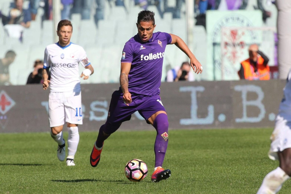 Carlos Salcedo con la Fiorentina.