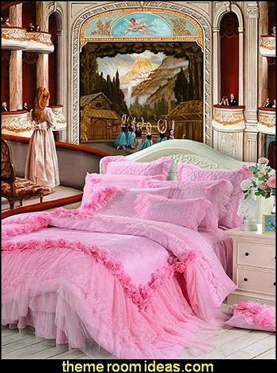 Pink_Lace_Ruffle_Bedding_ballerina_wall_murals_ballerina_theme_bedroom_decorating_ideas