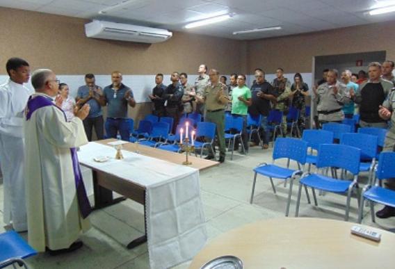 Militares do 9º BPM participam de Missa em comemoração ao Natal em Delmiro Gouveia
