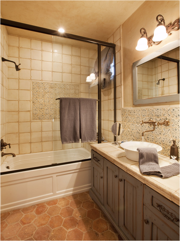 Old world bathroom design ideas room design ideas for 7 x 4 bathroom designs