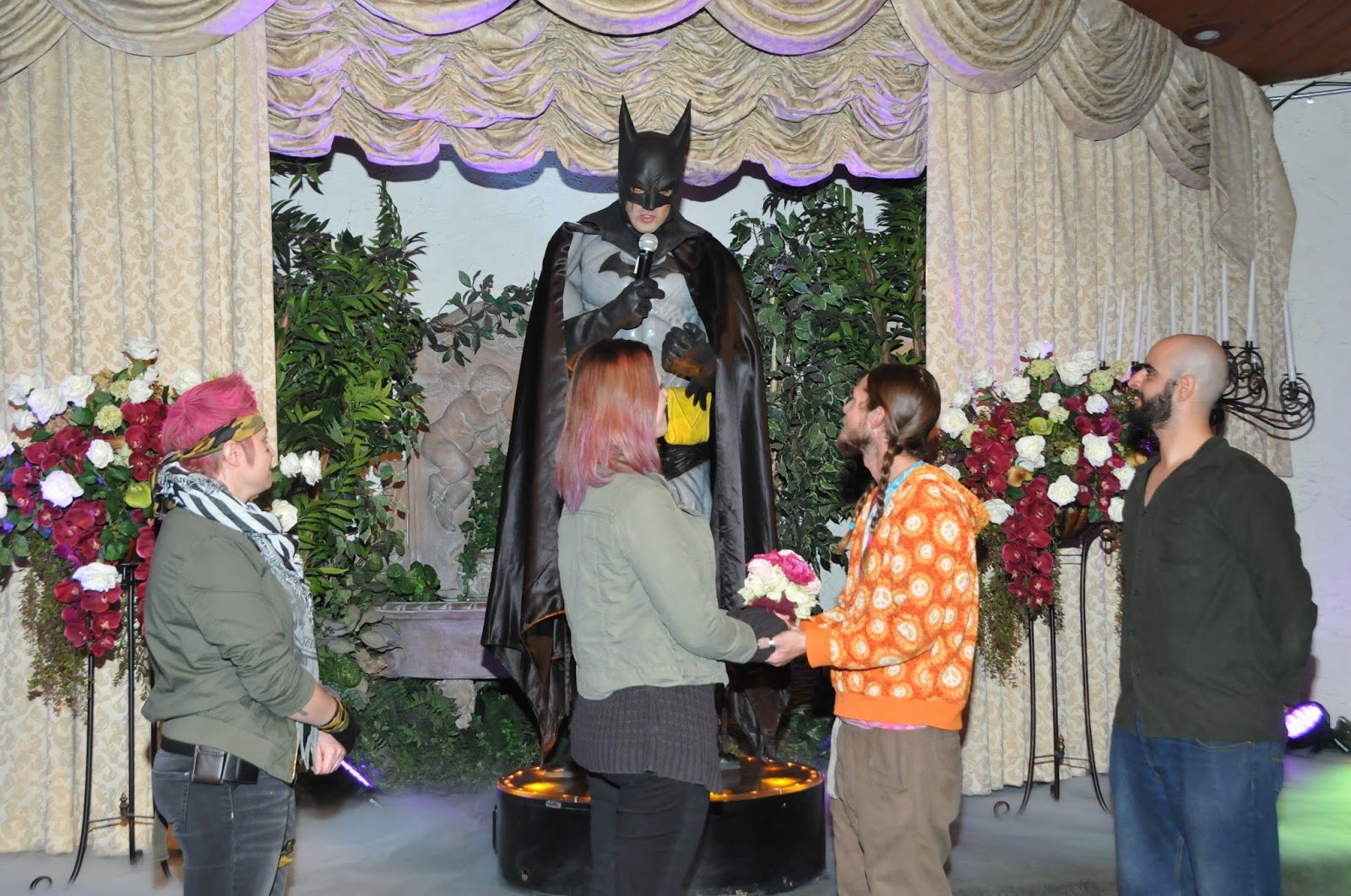 Vegas Batman Commitment Ceremony At Viva Las Wedding Chapel