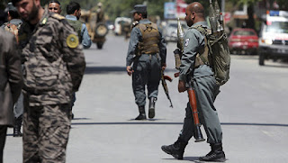 In Afghanistan, about 30 officers were killed in the attack of the Taliban