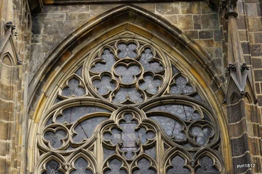 Фрагмент фасада собора Святого Вита.