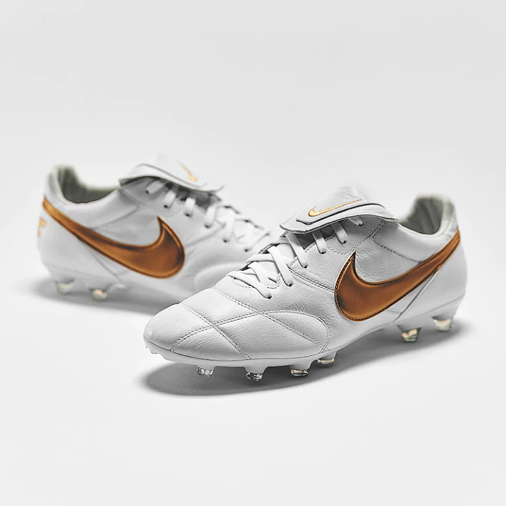 new styles 66bc2 3e7ed Nike Premier II - White  Metallic Gold  White
