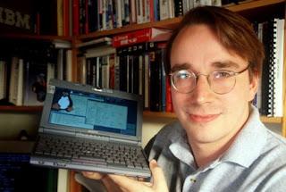 Linus es un hacker informatico al 100%, y cambio de manera definitiva el mundo con su sistema operativo