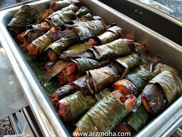 ikan keli panggang, menu buffet ramadhan vistana hotel penang, buffet ramadhan vistana hotel 2018, menu berbuka buffet ramadhan 2018, 101 resipi tok wan menu tradisional melayu,