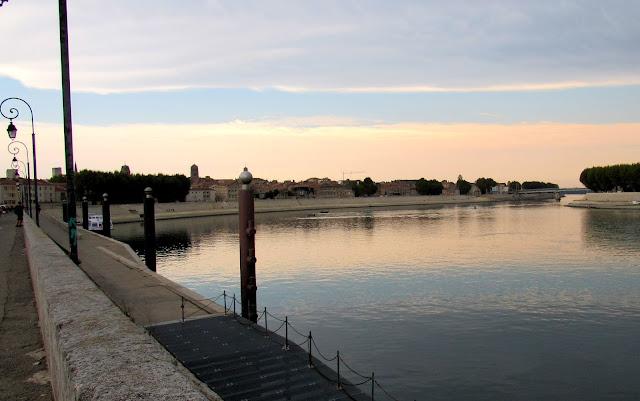 Muelle del Ródano. Cuadros de Vicent Van Gogh en Arlés. La Camarga