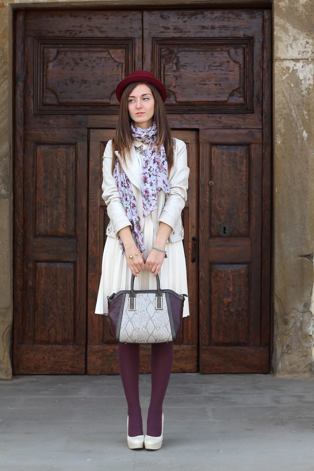 outfit ootd italian fashion blogger cream burgundy zara bijou brigitte plissé skirt jacket leather hat hells shoes