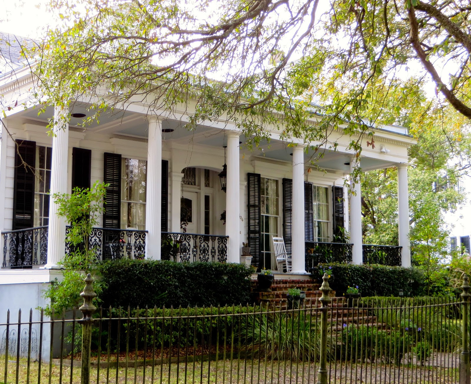 Lower Garden District New Orleans Restaurants