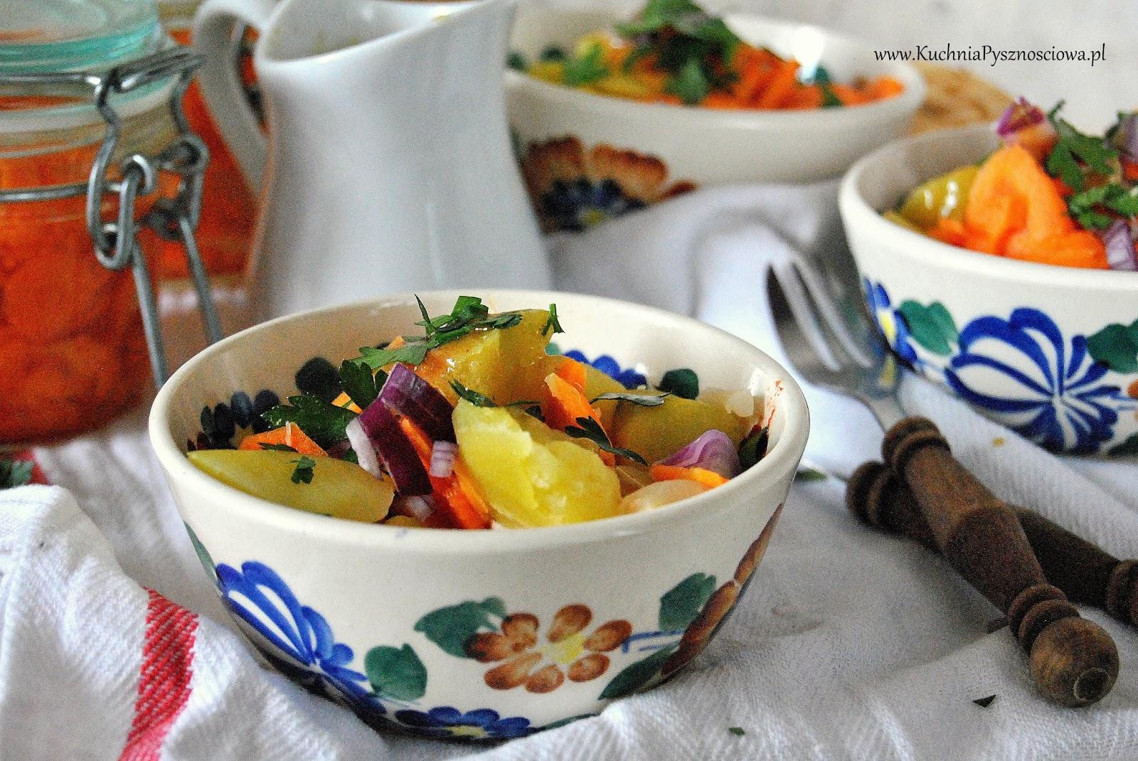 653. Jesienna sałatka ziemniaczana z kiszoną marchewką