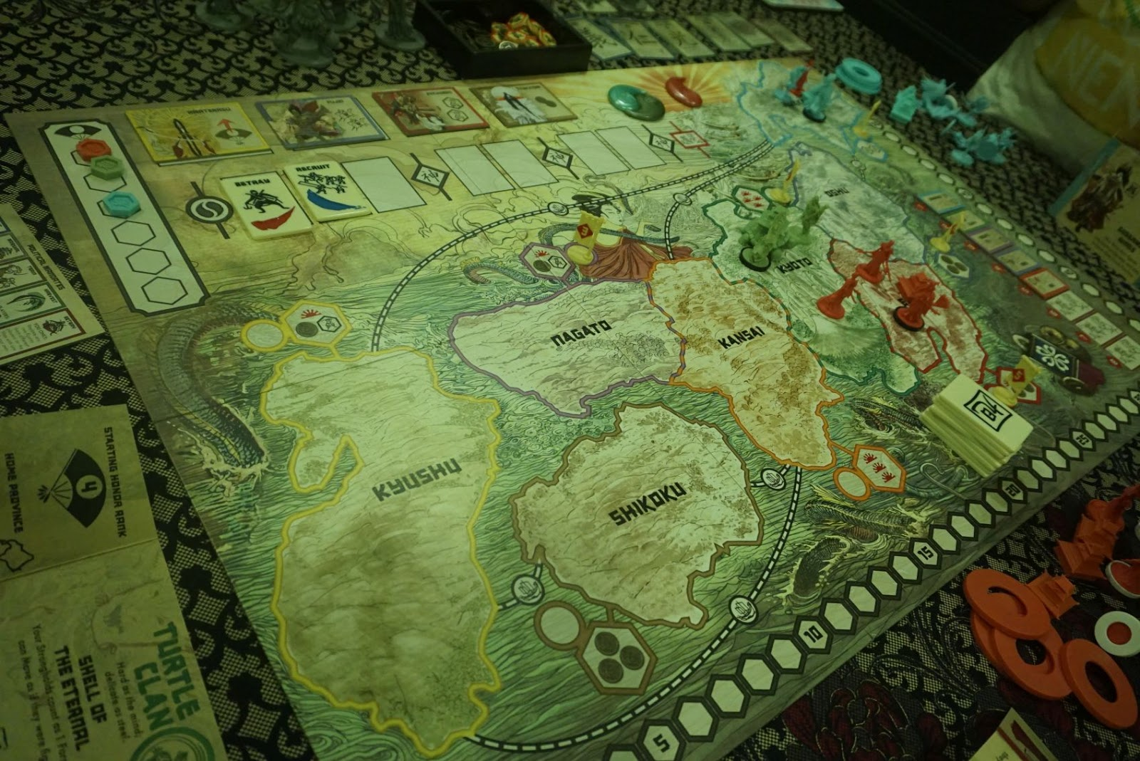 Hiews boardgame blog rising sun there are only 8 provinces on the map the structure of the game is 3 seasons each consisting of 7 rounds only 21 rounds in total gumiabroncs Choice Image