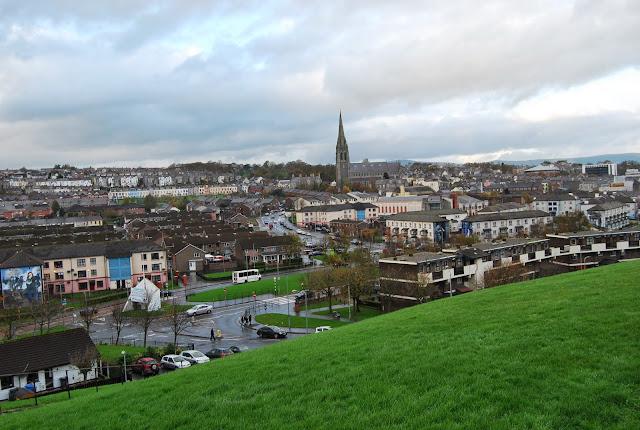 Vistas a Free City Of Derry desde Londonderry