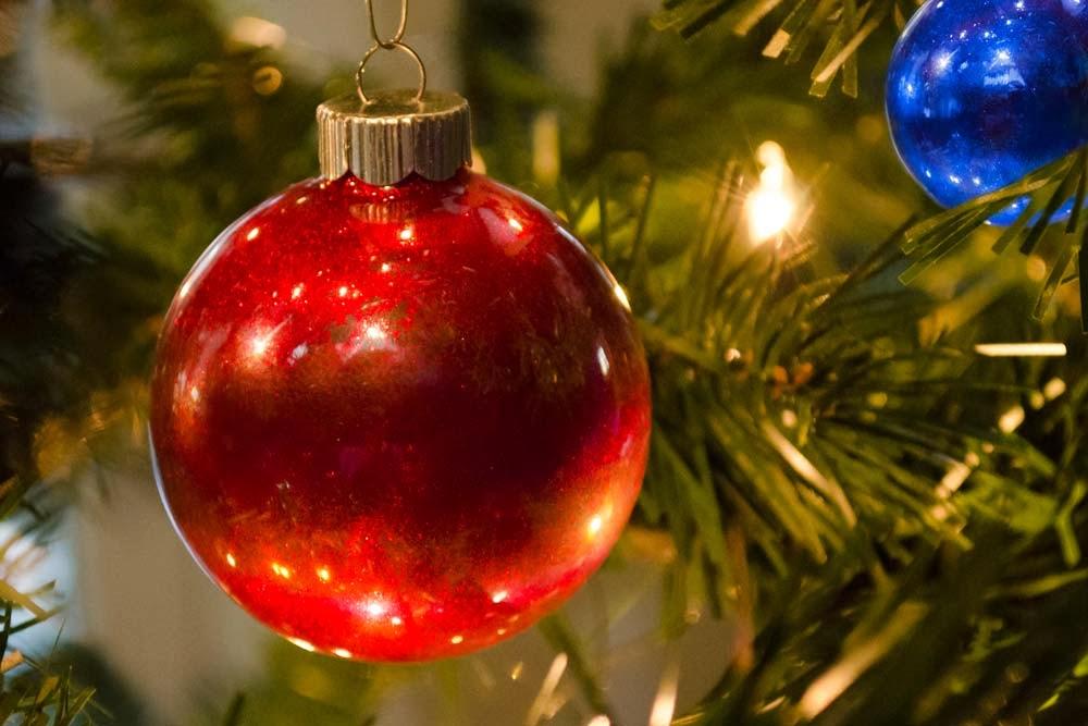 "Jill Made It: ""O, Christmas Tree"" Glitter Ball Ornaments"