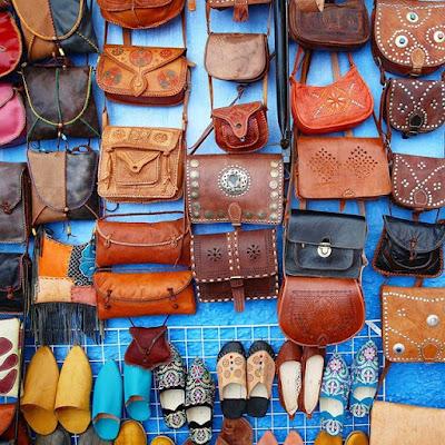 Souvenirs de marroquinería de Chauen