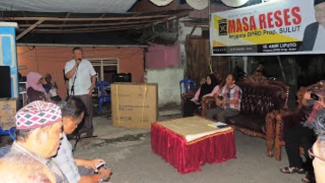 Anggota DPRD Sulut, H Amir Liputo saat melaksanakan reses di kelurahan Ternate Baru.