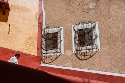 Calzada Tecolote (Guanajuato, México), by Guillermo Aldaya / PhotoConversa