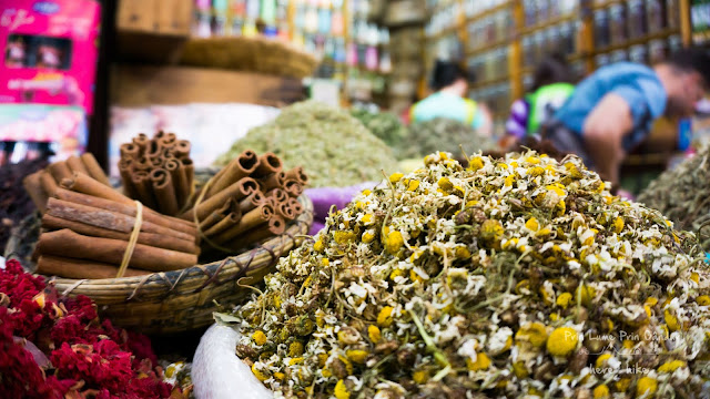 Moroccan_Bazaar_Spices_and_Herbs