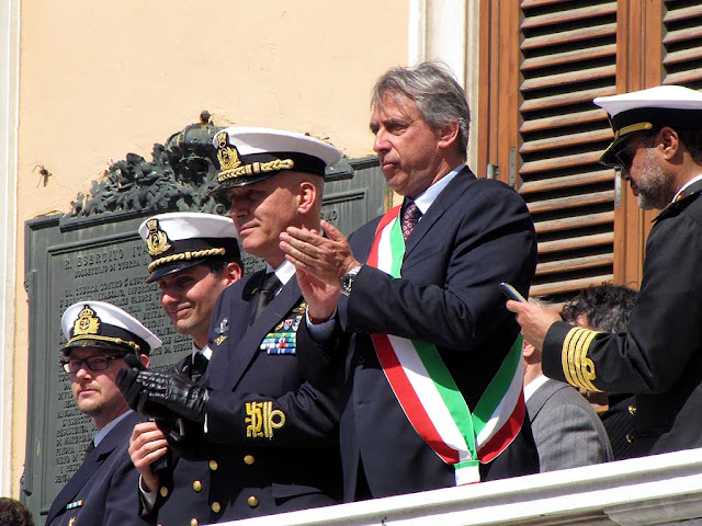 The mayor Alessandro Cosimi, Admiral Giuseppe Cavo Dragone, Foreign Navies ceremony, Livorno