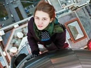 cewek rusia, selfi di ketinggian, tragedi selfi