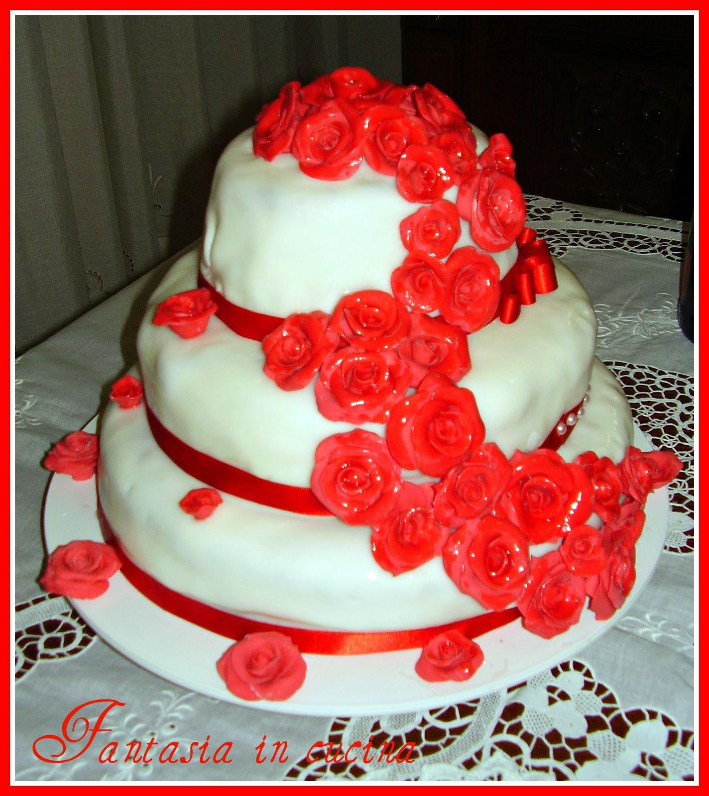 Fantasia in cucina torta rose rosse per compleanno 30 anni for Disegna i tuoi piani architettonici