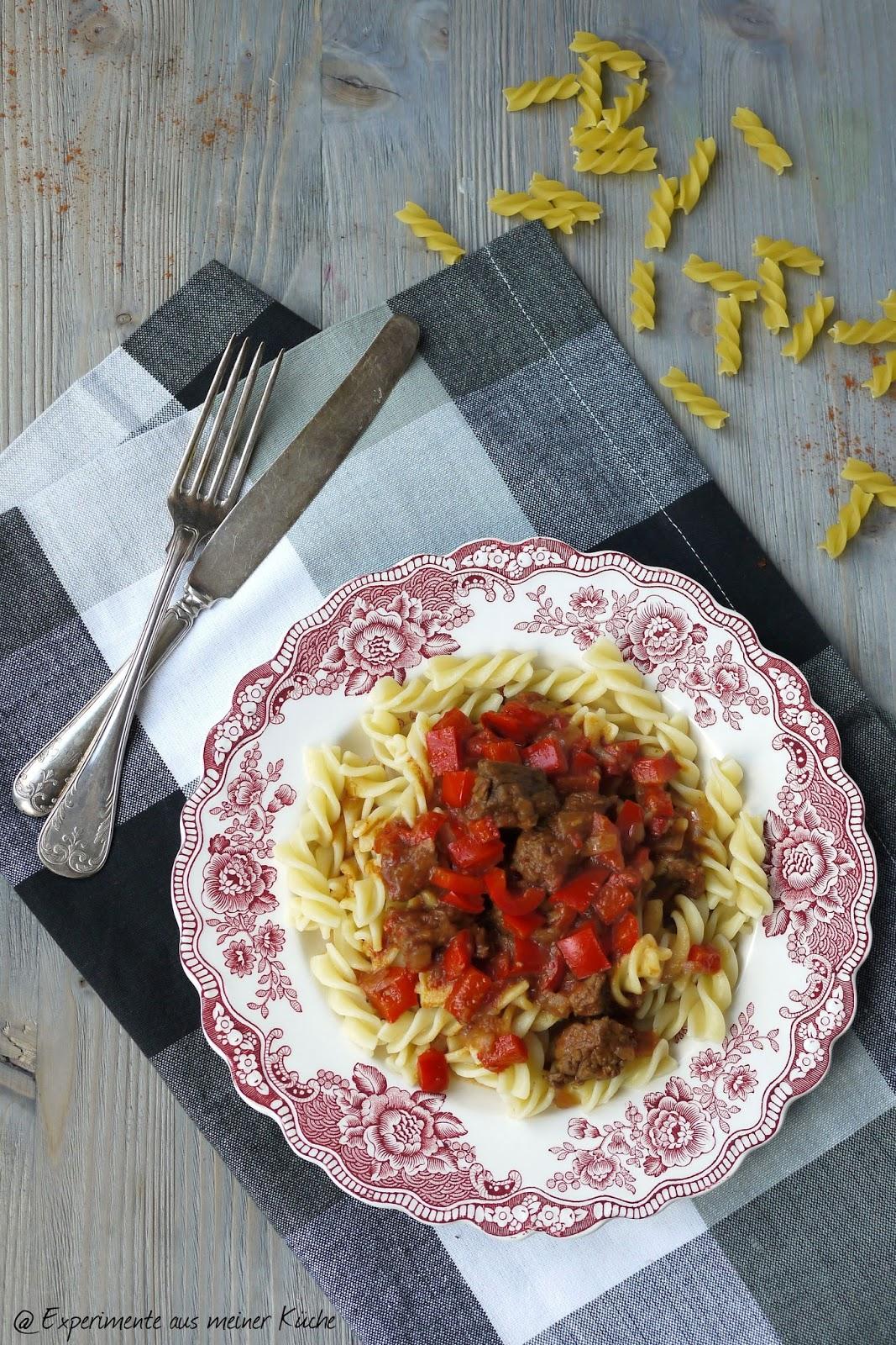 Experimente aus meiner Küche: Saftiges Rindergulasch