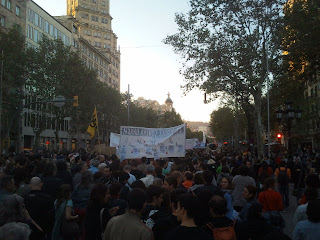2000 people at the #Globalnoise march in #Barcelona #13OBcn