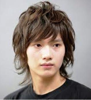 Gaya rambut cowo korea Boy Wavy style