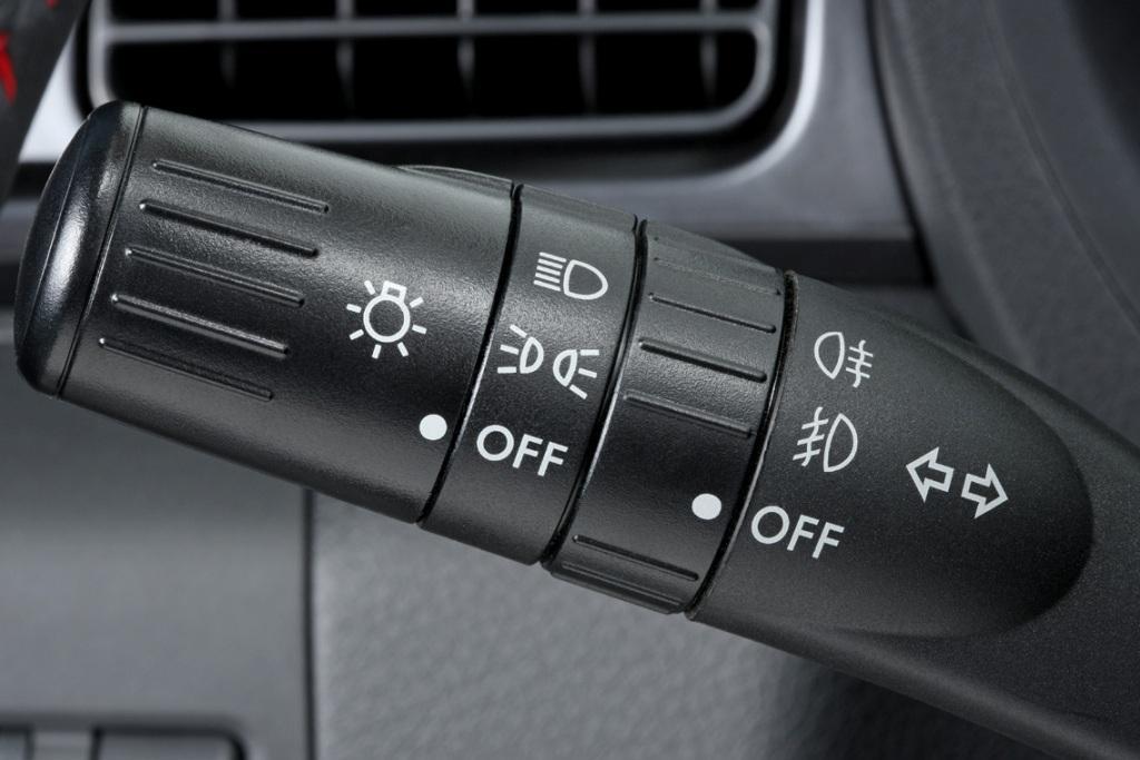 ¿Problemas con los faros de tu auto? Aquí te decimos cómo ...