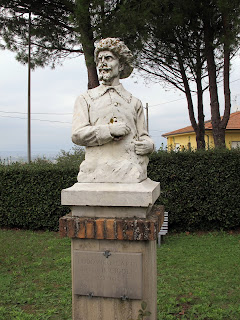 The statue of Lodovico Cardi in his home village of Cigoli in Tuscany