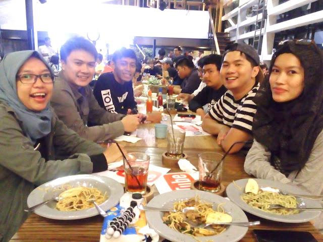 Youtube Happy Hour Bandung