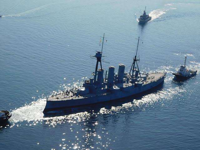 Θεσσαλονίκη: Το Θωρηκτό ΑΒΕΡΩΦ στον Θερμαϊκό! Ρυμουλκείται στο λιμάνι