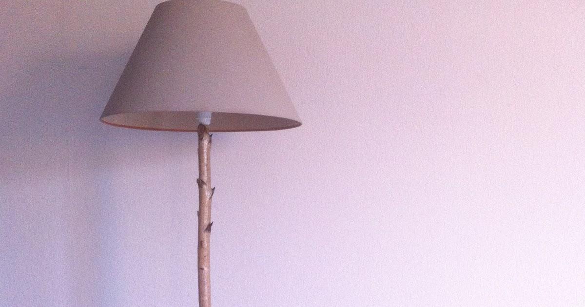 lalloux un lampadaire avec une branche de bouleau. Black Bedroom Furniture Sets. Home Design Ideas