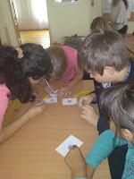 школярі створюють власні поштові марки