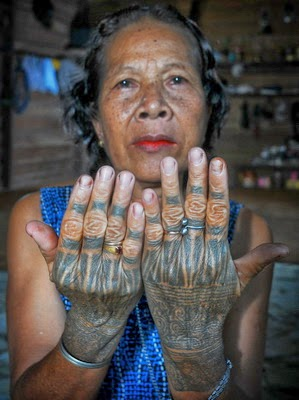 Body Art Tattoo The Meaning Of Tattoos For Dayak Tribe Of Borneo