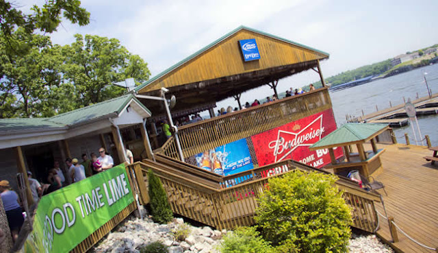 Dog Days Bar & Grill, Lake of the Ozarks