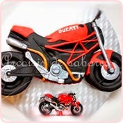 Tarta modelada moto