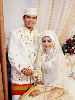 Gaun Pengantin Muslimah Elegan