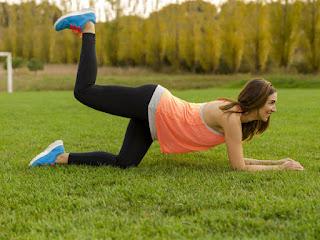 Bagian yang paling feminin seorang perempuan yaitu bentuk tubuhnya 10 Latihan Simpel Membesarkan Ukuran Pinggul