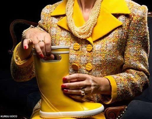 En İlginç Kadın Çantaları - Çizme Kadın Çantası - Kurgu Gücü