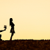 Mengapa anda perlu berhenti memberi cinta yang bertepuk sebelah tangan?