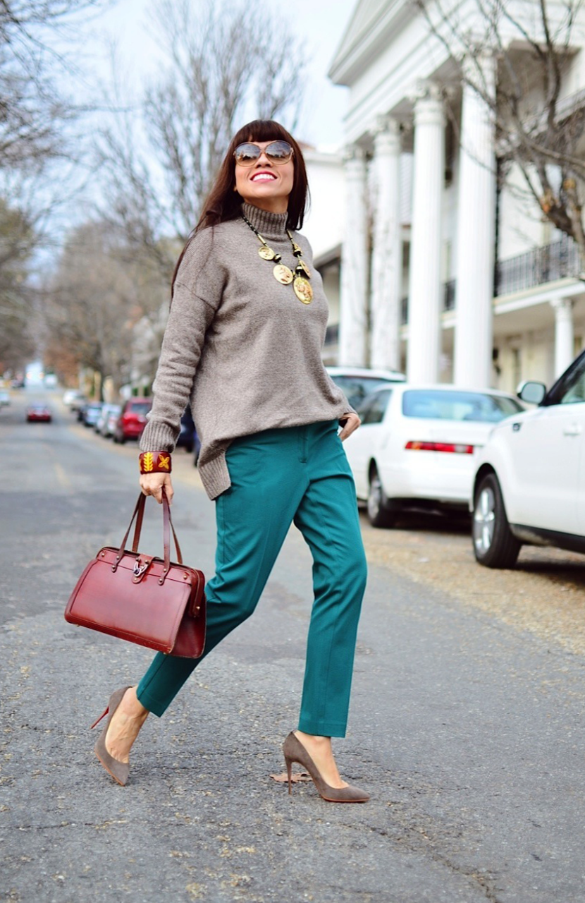 What to wear with taupe