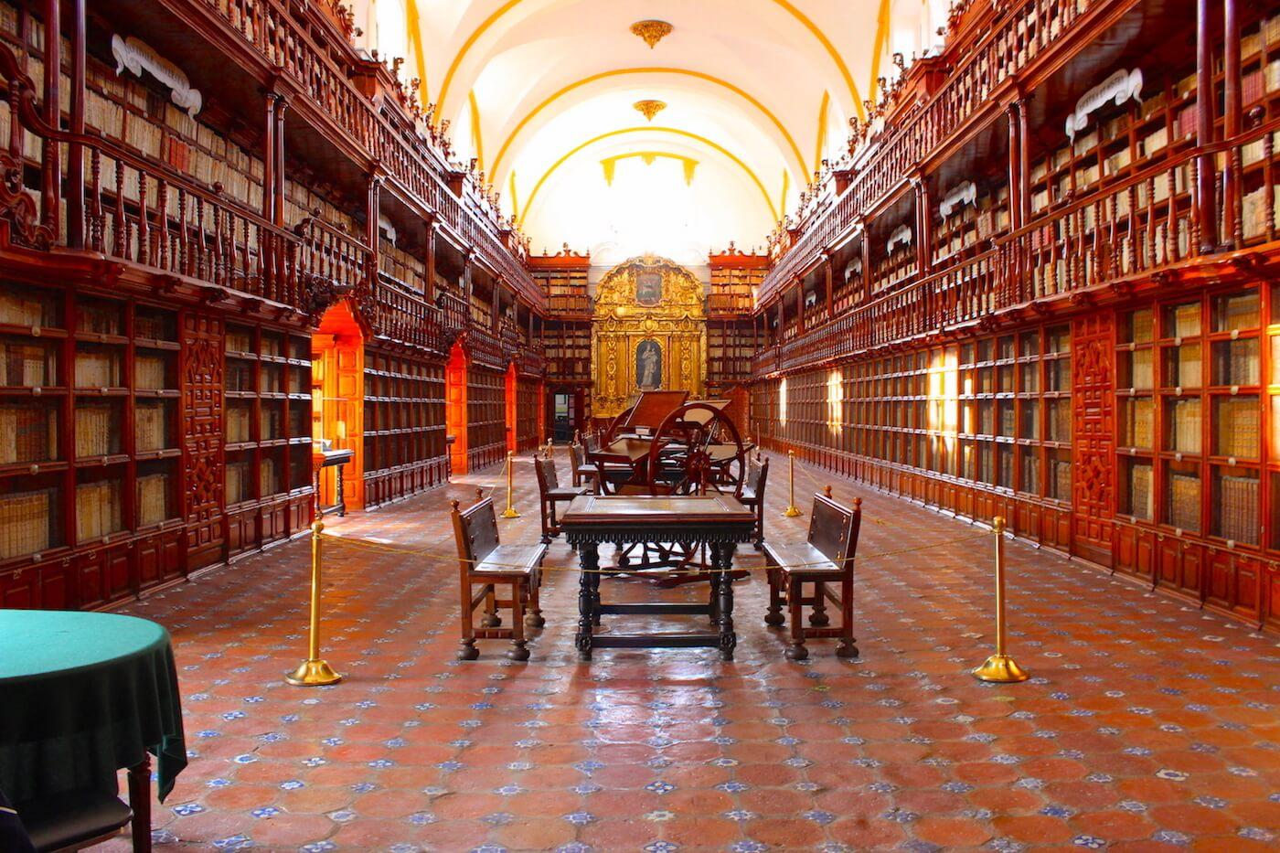 Biblioteca Palafoxiana in puebla