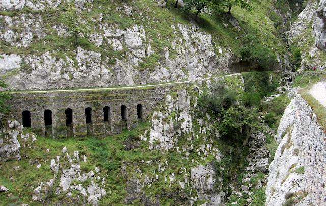 Aqüeducte Lleó-Astúries El Cares
