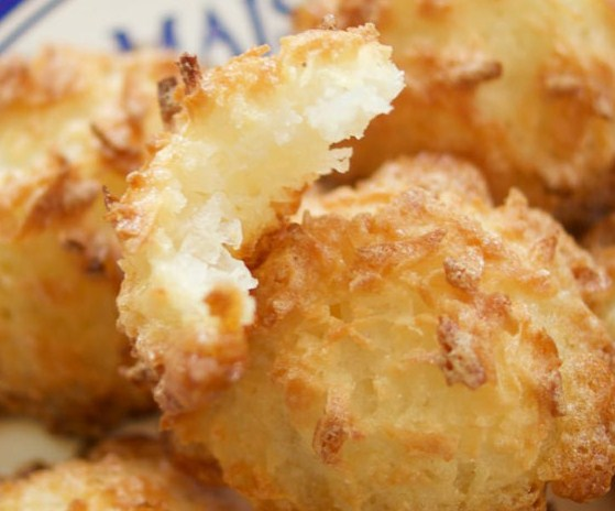 Gluten Free 3 Ingredient Coconut Macaroons
