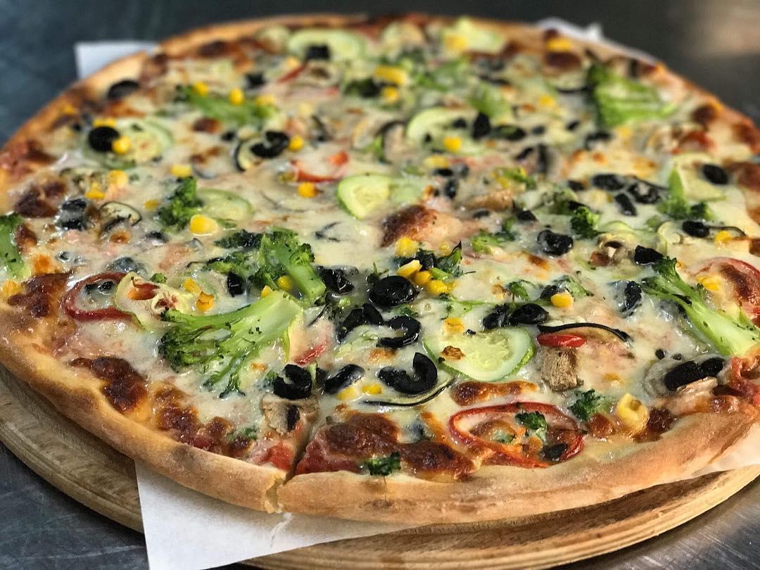 Sünger Pizza Bodrum Menü Listesi Mekan Arama Motoru Ne Kadara Yenir